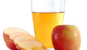 apple juice and apples